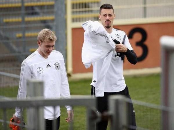HLV Joachim Loew: Giai bai toan doi hinh den World Cup 2018 hinh anh 4
