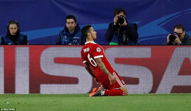 Bayern nguoc dong ha Sevilla tai 'chao lua' Ramon Sanchez Pizjuan hinh anh 3