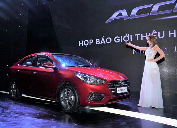 Hyundai Thanh Cong ra mat mau Accent 2018 gia tu 425 trieu dong hinh anh 2