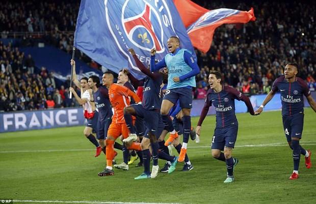 PSG len ngoi Ligue 1 sau man 'huy diet khong tuong' truoc Monaco hinh anh 1