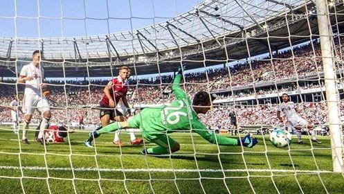 FC Bayern: Vi tri nao cho Sven Ulreich neu Manuel Neuer tro lai? hinh anh 2