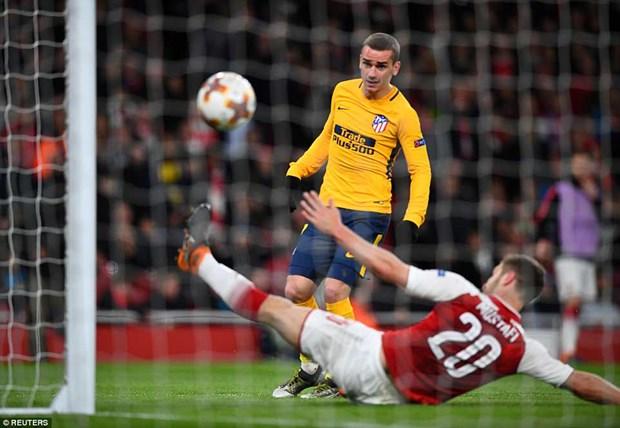 Thi dau hon nguoi, Arsenal van bi Atletico cam hoa o Emirates hinh anh 4
