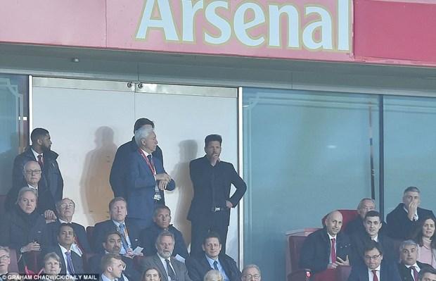 Thi dau hon nguoi, Arsenal van bi Atletico cam hoa o Emirates hinh anh 3