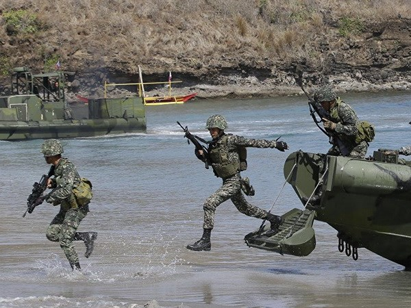 Philippines trang bi vu khi, nang cao nang luc tac chien tren bien hinh anh 1