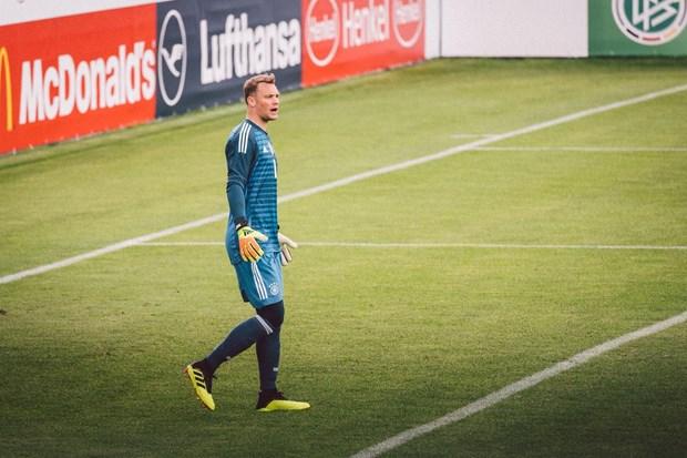 Manuel Neuer tai xuat o tran Duc-Ao, chay da cho World Cup 2018 hinh anh 2