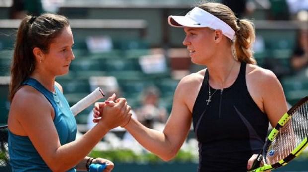 Sharapova bat chien tu nhien thanh, nguoi dep Wozniacki thua soc hinh anh 3