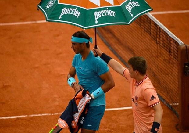 Roland Garros: Ong troi lai 'cuu' Rafael Nadal, Halep nguoc dong hinh anh 1