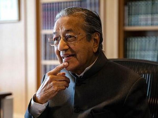 Tan Thu tuong Malaysia bat ngo keu goi xem xet lai CPTPP hinh anh 1