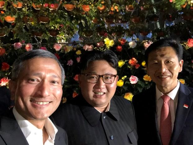 Can canh Nha lanh dao Kim Jong-un kham pha Singapore ve dem hinh anh 1