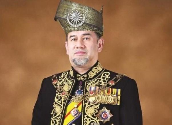 Quoc vuong Malaysia tu nguyen cat giam luong nham kiem soat no cong hinh anh 1