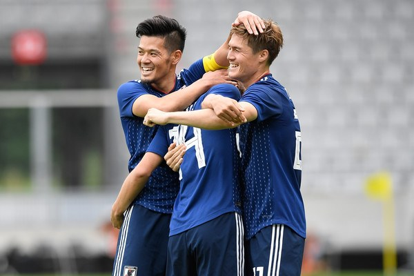 Nhat Ban, Ba Lan dua nhau huy diet truoc man so tai o World Cup hinh anh 1