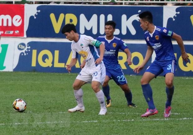 Vong 13 V-League: Ha Noi vui dap Than Quang Ninh, HAGL thua nguoc hinh anh 1