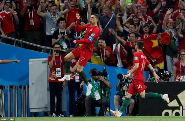 Can canh Ronaldo lap hat-trick vao luoi doi tuyen Tay Ban Nha hinh anh 1