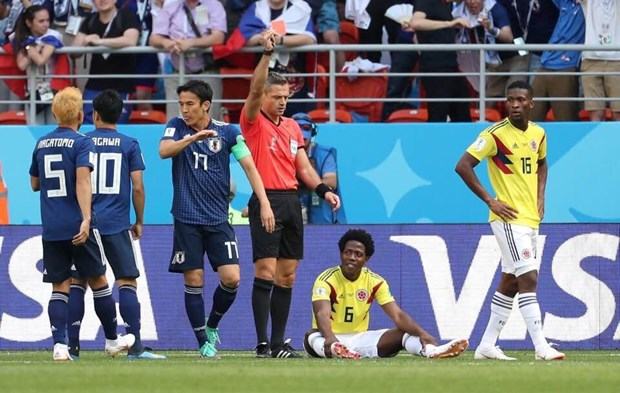 Sanchez cua Colombia nhan the do nhanh thu 2 lich su World Cup hinh anh 1