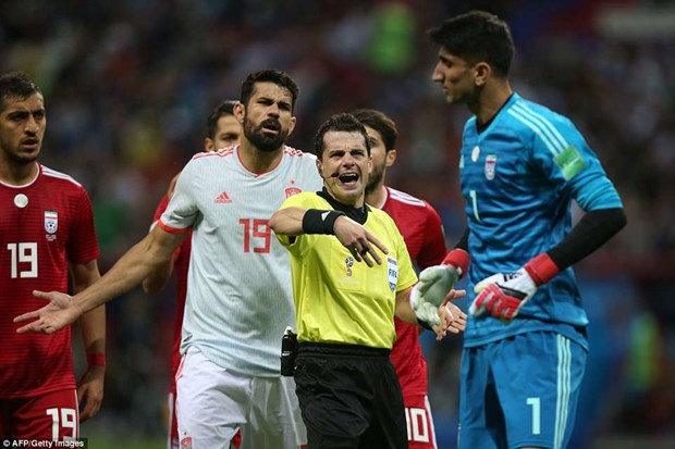Costa ghi ban may man, Tay Ban Nha nhoc nhan ha 'xe buyt' Iran hinh anh 1