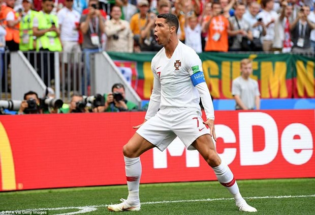 Cristiano Ronaldo chinh thuc pha ky luc da ton tai suot 62 nam hinh anh 1