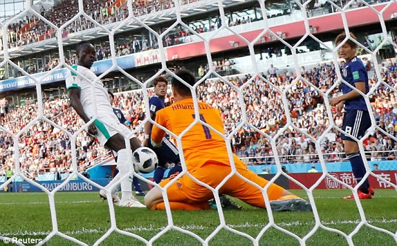 Nhat Ban - Senegal 2-2: 'Bat phan thang bai' day kich tinh hinh anh 6