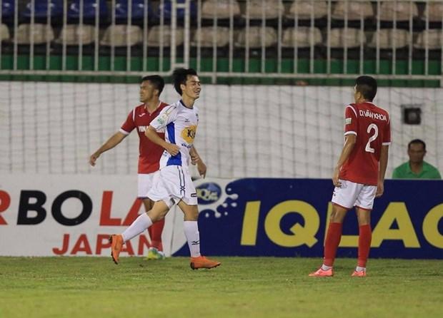 V-League: HAGL vui dap Quang Ninh, Thanh Hoa noi dai mach thang hinh anh 1