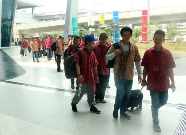 Indonesia trao tra 42 ngu dan Viet Nam qua duong hang khong hinh anh 1