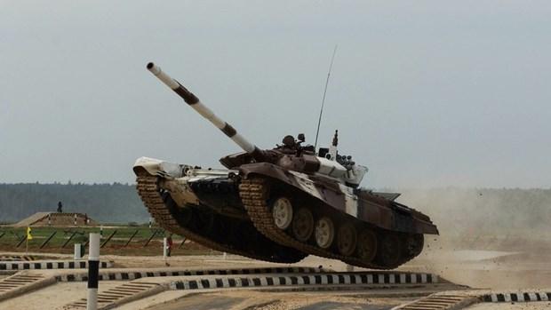 Armygames 2018: Doi Nga dang dan dau cuoc dua Tank Biathlon hinh anh 1