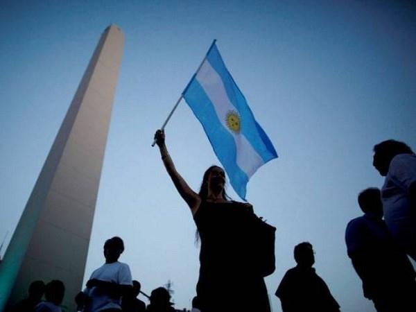 Nhieu nguoi lo ngai kinh te Argentina som o ben bo vuc vo no hinh anh 1