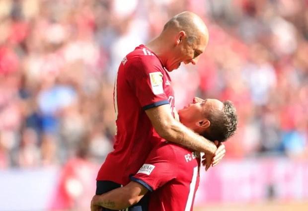 Ket qua bong da: Bayern doc chiem ngoi dau, Barca va Real gap kho hinh anh 1