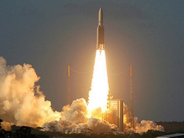 Thuc hien vu phong lan thu 100 cua ten lua day Ariane 5 hinh anh 1
