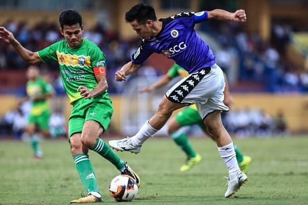 Vong 25 V-League: Ha Noi nang cup, Can Tho can ngay xuong hang hinh anh 2