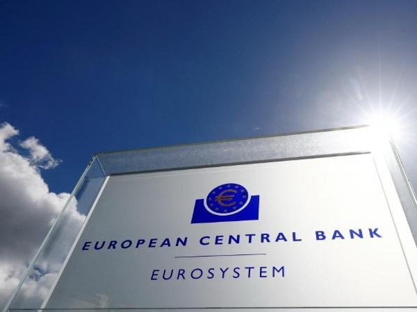 ECB thu hoi chuong trinh kich cau, giu lai suat o muc thap ky luc hinh anh 1