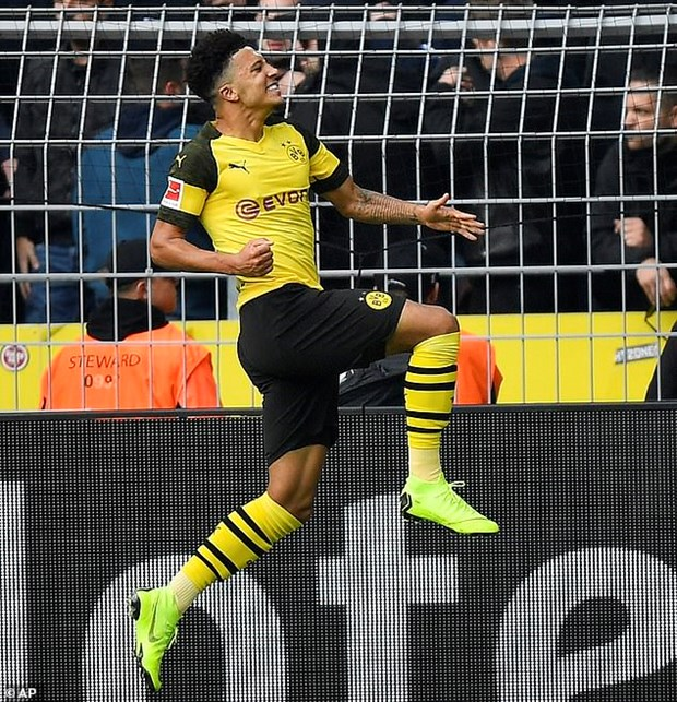 Bundesliga: Bayern Munich tro lai top 2, Dortmund dut mach thang hinh anh 2