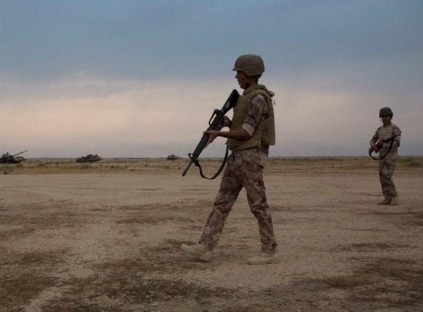 Quan doi Iraq khong kich cac muc tieu cua to chuc IS o Syria hinh anh 1