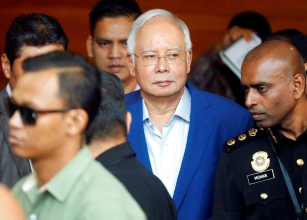 Cuu Thu tuong Malaysia bi tham van ve viec mua 2 tau ngam cua Phap hinh anh 1