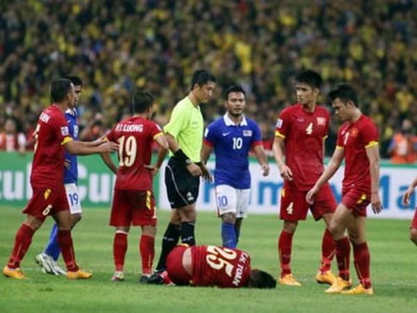 Trong tai nguoi Trung Quoc bat chinh tran Viet Nam vs Campuchia hinh anh 1