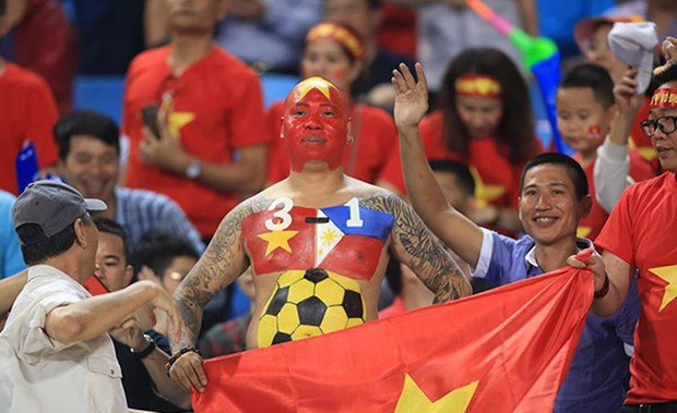 Viet Nam - Philippines 2-1 (4-2): Viet Nam thang tien chung ket hinh anh 9