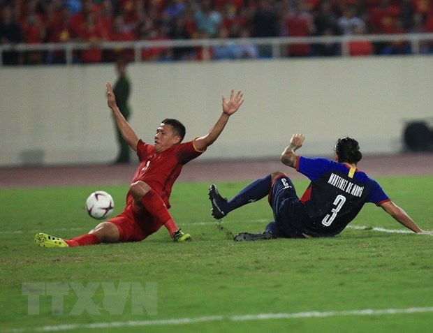 Viet Nam - Philippines 2-1 (4-2): Viet Nam thang tien chung ket hinh anh 14