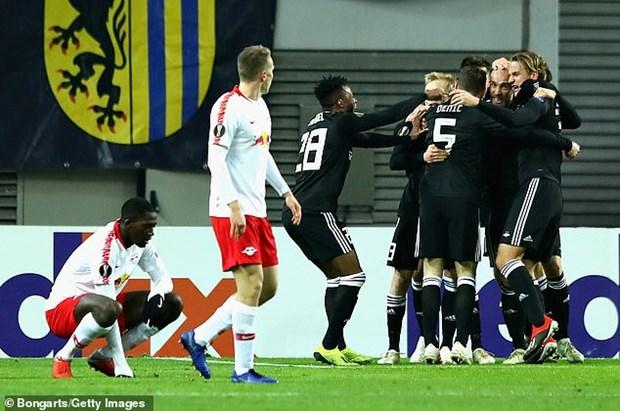 Europa League: Xac dinh xong 32 doi vao vong 1/16, Milan bi loai hinh anh 2