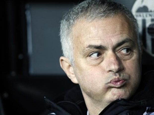 Jose Mourinho nhan duoc bao nhieu tien boi thuong trong su nghiep? hinh anh 1