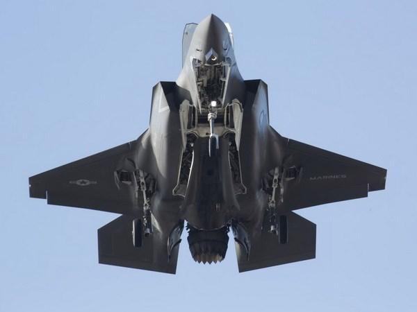 Lockheed Martin co ke hoach chuyen giao hon 130 may bay F-35 hinh anh 1