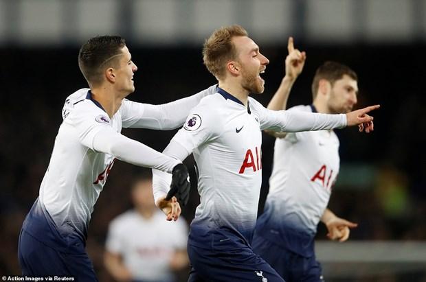 Tottenham 'pha hoi nong' vao Manchester City sau man huy diet hinh anh 1