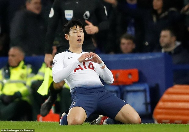 Tottenham 'pha hoi nong' vao Manchester City sau man huy diet hinh anh 3