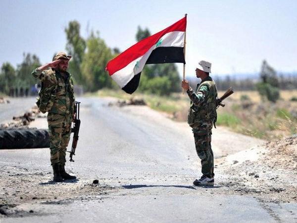 Quan doi Syria lan dau tien tien vao thanh pho Manbij sau 6 nam hinh anh 1