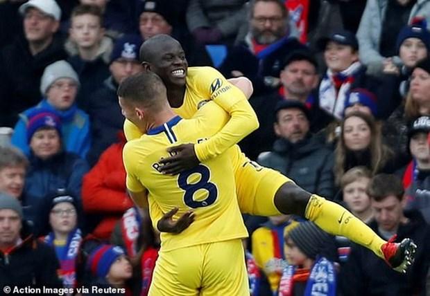 Kante toa sang, Chelsea 'pha hoi nong' vao top 3 Premier League hinh anh 1