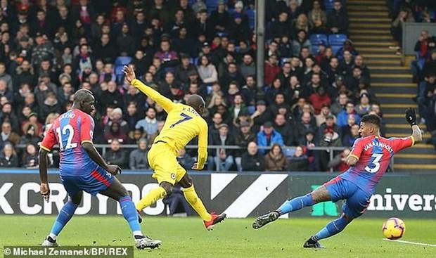Kante toa sang, Chelsea 'pha hoi nong' vao top 3 Premier League hinh anh 2