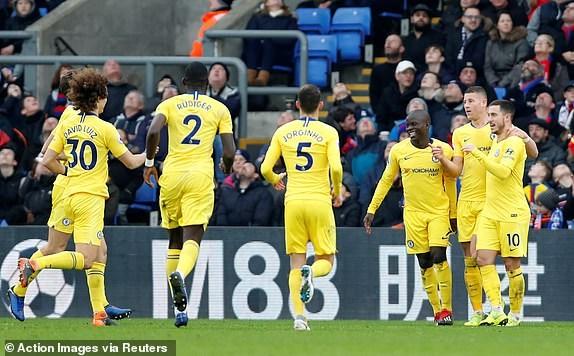 Kante toa sang, Chelsea 'pha hoi nong' vao top 3 Premier League hinh anh 9