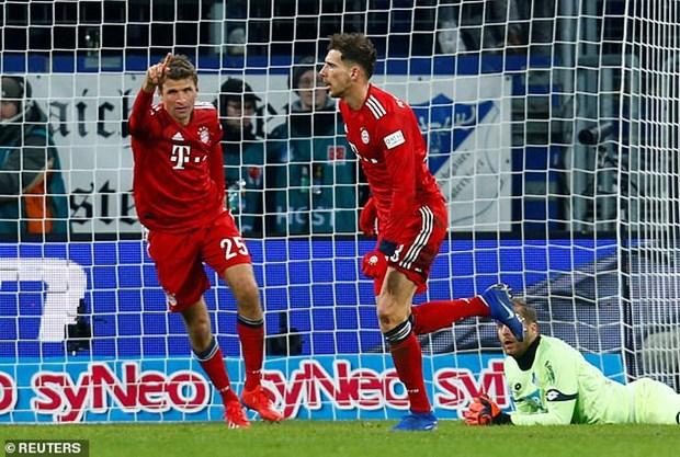 Goretzka toa sang, Bayern gay suc ep len ngoi dau cua Dortmund hinh anh 2
