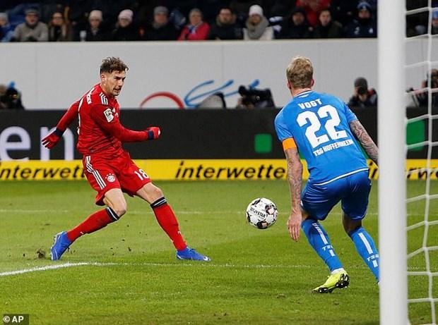 Goretzka toa sang, Bayern gay suc ep len ngoi dau cua Dortmund hinh anh 3