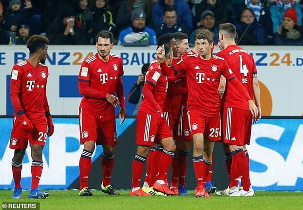 Goretzka toa sang, Bayern gay suc ep len ngoi dau cua Dortmund hinh anh 7