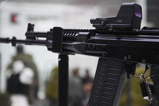 Kalashnikov sap san xuat hang loat sung may dung dan cua NATO hinh anh 1