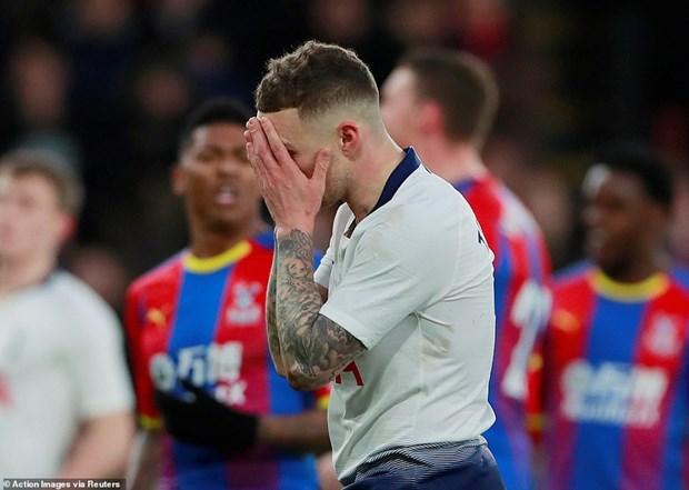 FA Cup: Higuain mo nhat o ngay ra mat Chelsea, Tottenham bi loai hinh anh 3