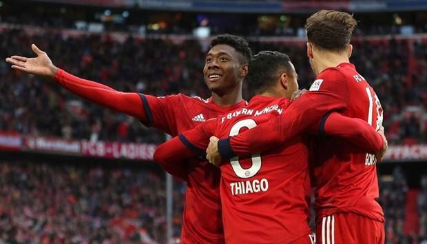 Bayern hau chien thang VfB Stuttgart: Nam moi, can benh cu hinh anh 1